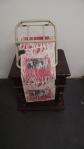 MONICA BARKI  ST;  objeto e xilogravura ; 37 x 32 X 20cm; 2006;  Coleção Nelson Leirner R$ 39.650,00