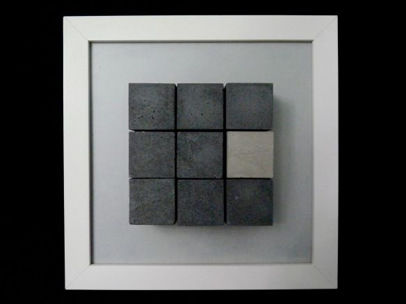 RICARDO FRANZIN, ST#9 (2016), concreto sobre  cerâmica hidráulica, 20cm x 20cm x 4,5cm, R$450,00