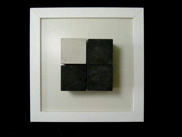 RICARDO FRANZIN, ST#4 (2016), concreto sobre  cerâmica hidráulica, 20cm x 20cm x 4,5cm, R$450,00