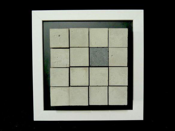 RICARDO FRANZIN, ST#16 (2016), concreto sobre  cerâmica hidráulica, 20cm x 20cm x 4,5cm, R$450,00